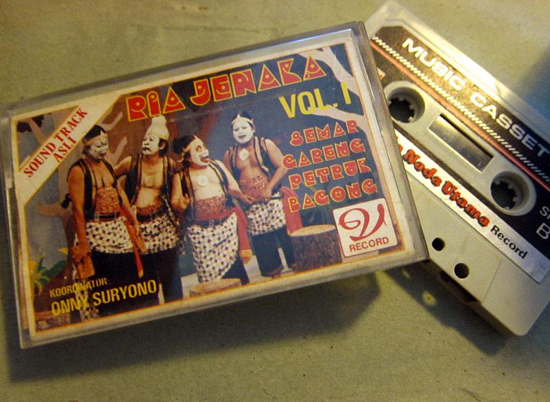 RiaJenaka_kaset