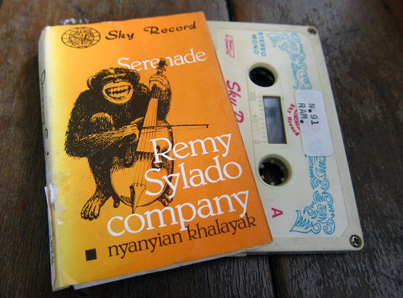 RemySyladoCompany_NyanyianKhalayak_kaset